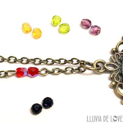 Cadena con abalorios de cristal Checo, color según ilustración aplicada. Personalizados.