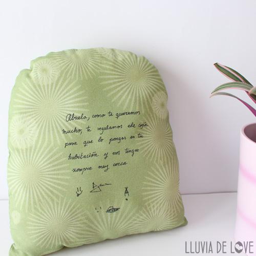 Cojín decorativo personalizado y con dedicatoria escrita por ti
